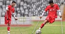 หัวใจแกร่ง ! หนุ่มขาเดียว ไม่ทิ้งฝันเป็นนักฟุตบอล ลงสนามโชว์ฝีเท้าสุดคมกริบ