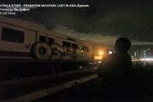 แก็งฝรั่ง!!ลอบพ่นสีขบวนรถไฟ MRT พระราม 9 (มีคลิป)