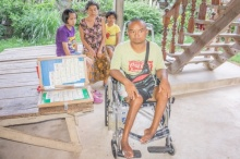 หนุ่มพิการถูกเมียทิ้ง-ใจสู้เลี้ยงดูลูกสาว แม่ป่วย สุดยากลำบาก